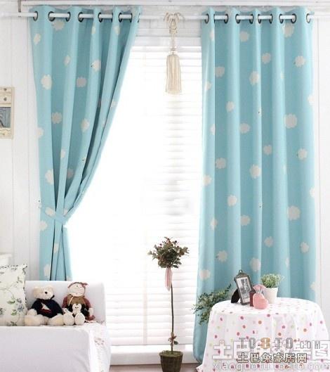 的客厅窗帘效果图