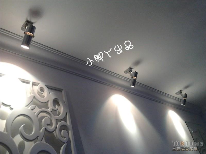 电视背景墙上有个梁,凸出唻十公分,有50公分高