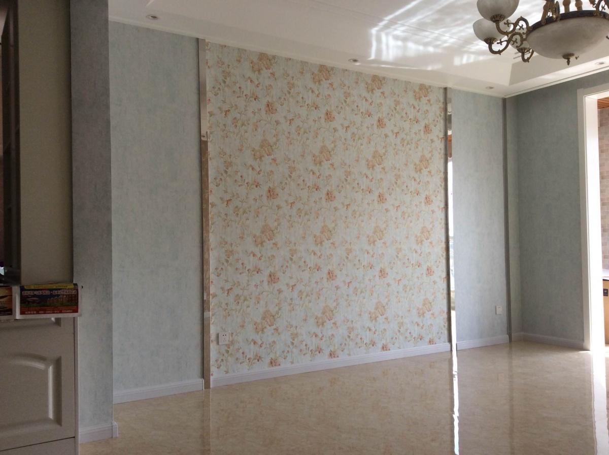 帮我看下,这个壁纸地砖用什么样的家具好一些