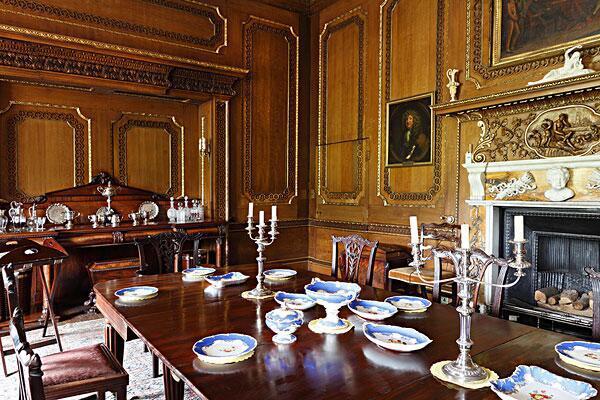 用一张餐桌,打造多种风格家居