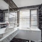 卫生间地面和墙面打胶 卫生间不受水干扰详解