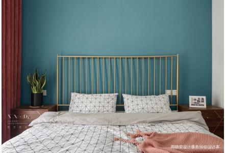 在家装家具摆放位置中,床头朝哪个方向好?