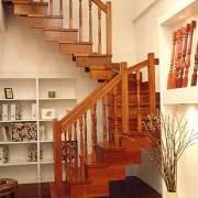 家装木楼梯