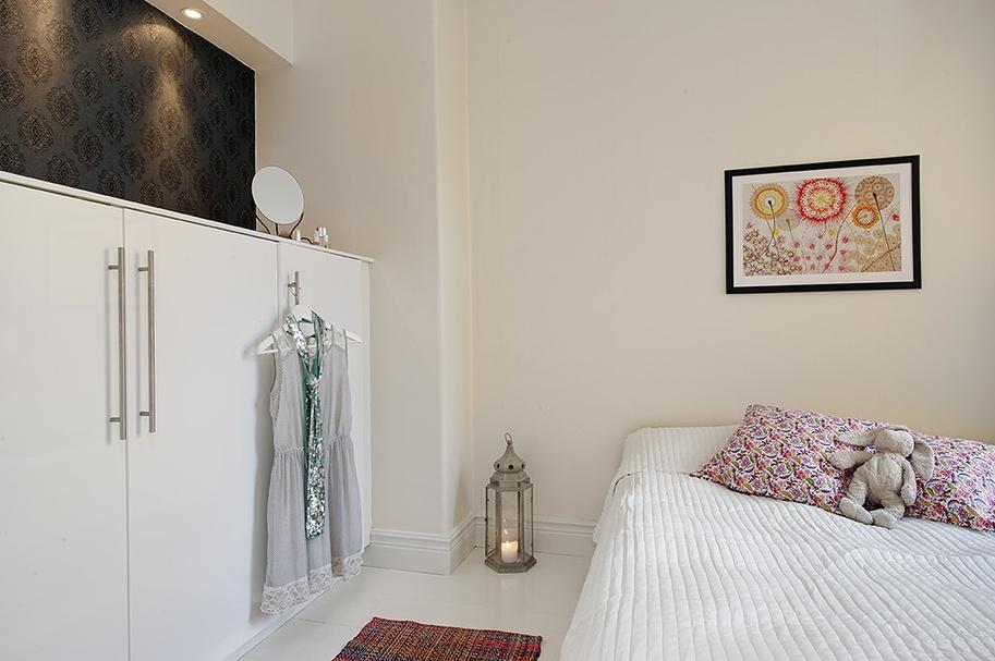 2017混搭风格儿童卧室白色衣柜装修效果图片