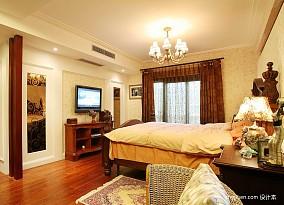 2017美式风格复式家居主卧室窗帘壁纸装修效果图