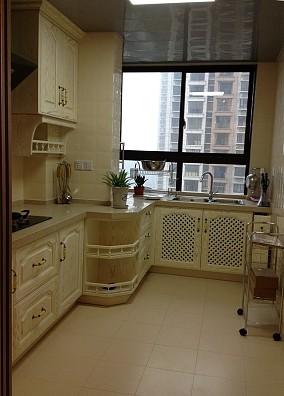 家居厨房欧式橱柜装修效果图片