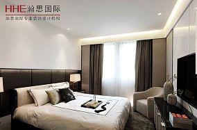 精美70平米现代小户型卧室装修图片