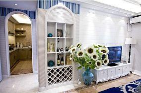 地中海风格客厅壁柜装修效果图