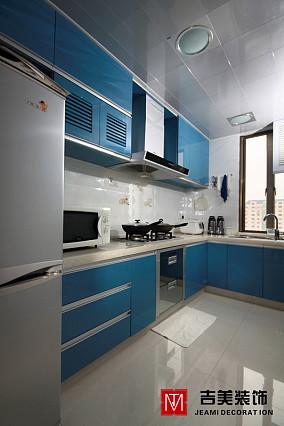 现代风格蓝色厨房橱柜装修效果图