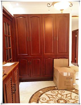 中式风格衣柜效果图