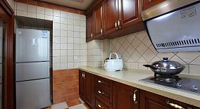 美式风格厨房实木橱柜装修效果图欣赏