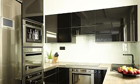 现代风格厨房不锈钢橱柜装修设计