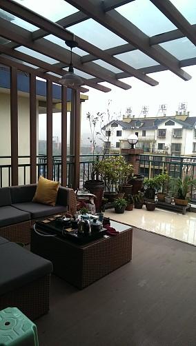 热门现代小户型阳台装修实景图片大全