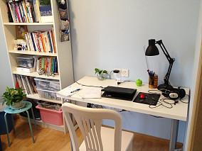 现代简约风格小书房设计图片