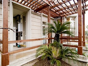 美式风格豪华别墅阳台装修效果图