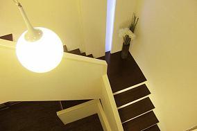 简约风格复式楼梯家居装饰设计图片