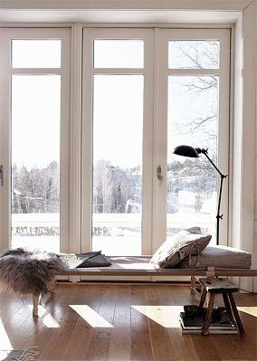 光亮式窗户图片