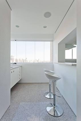 淡白简欧风格家装窗户效果图
