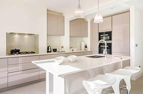 白皙的厨房图