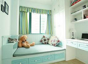 小卧室榻榻米布置