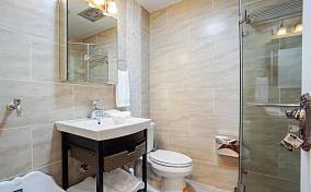混搭简约木质卫生间设计图片