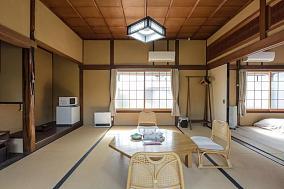 日式简单原宿客厅装修图