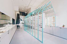 眼镜店橱窗设计效果图
