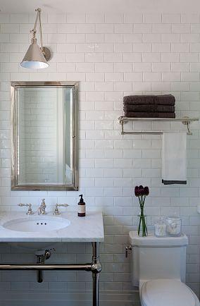 白色卫生间瓷砖装修