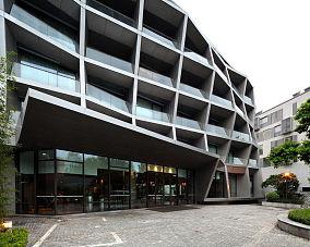 办公大楼大门图片