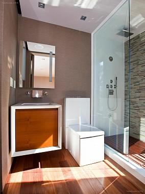 卫生间玻璃透明