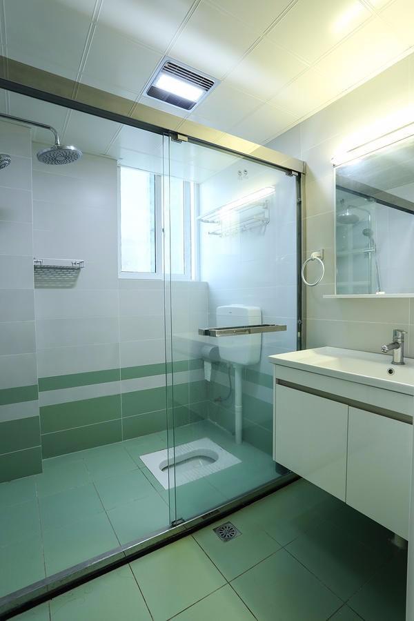 北欧风情卫生间洗漱台北欧极简卫生间设计图片赏析