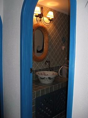 南京拉德芳斯,100平3房地中海装修卫生间2图地中海设计图片赏析