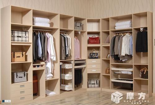 定制衣柜現代風格裝修案例