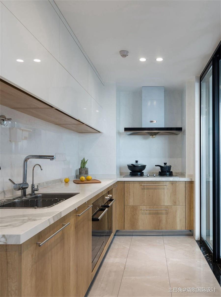 130平三居简约风情感空间餐厅现代简约厨房设计图片赏析