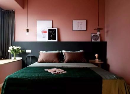 """客厅的""""黑墙宣言""""与墨绿+水磨石结合卧室"""
