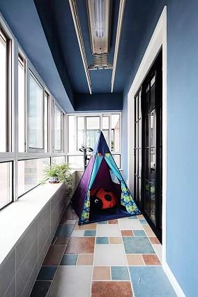 温馨小美式,用一道隐形门拯救空间困局阳台设计图片赏析