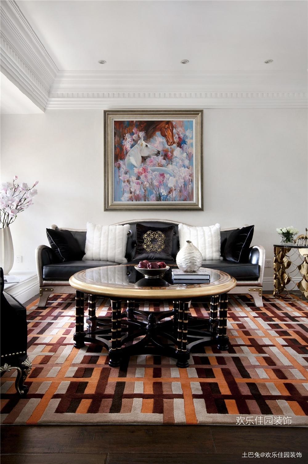 轻奢欧式小跃层有品质部浮夸客厅欧式豪华客厅设计图片赏析