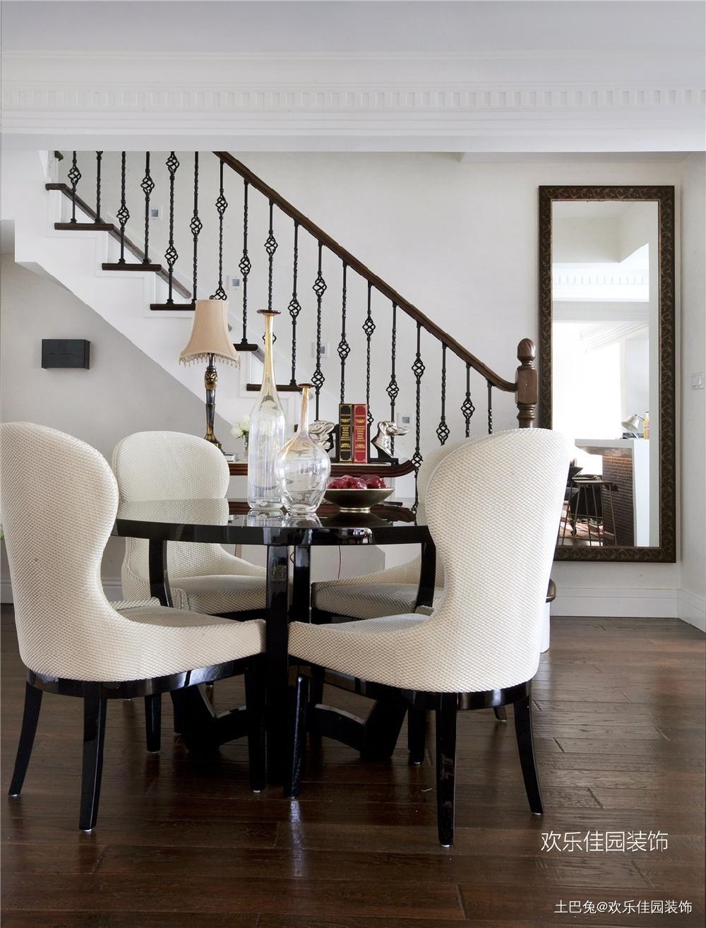 轻奢欧式小跃层有品质部浮夸厨房欧式豪华餐厅设计图片赏析