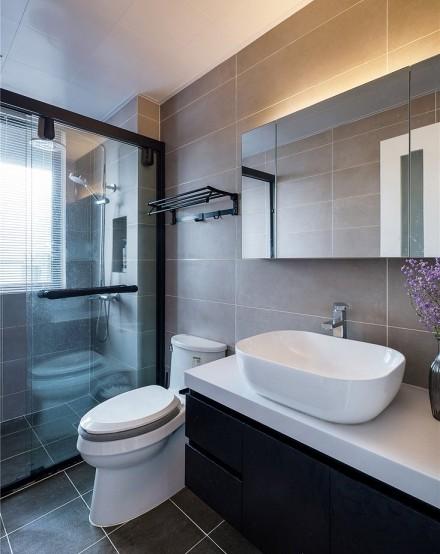 135平巴黎情怀的现代风格三居室卫生间