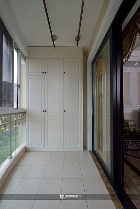 112m²欧式轻奢风,简洁大方阳台欧式豪华设计图片赏析