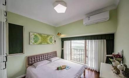 北欧风,大大的落地窗,一眼望不完的美景卧室