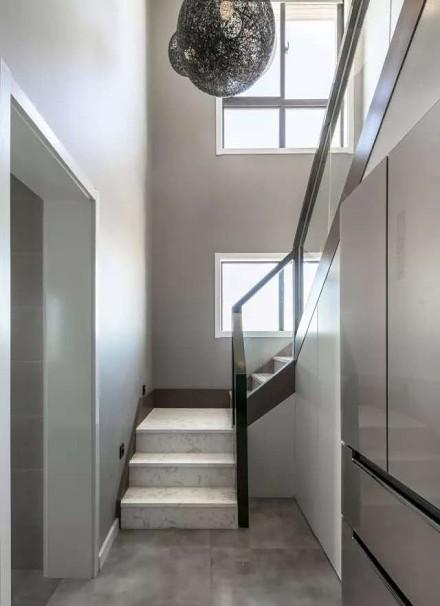 260㎡两层小别墅现代商务风格功能区