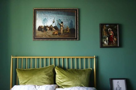 92㎡二居室,重色轻彩复古风卧室2图