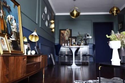 92㎡二居室,重色轻彩复古风客厅