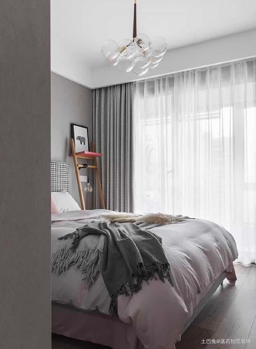 It年轻小夫妻的家阳台变身书房卧室其他卧室设计图片赏析