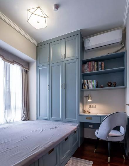 96㎡混搭风格,营造出华丽古典的气质卧室