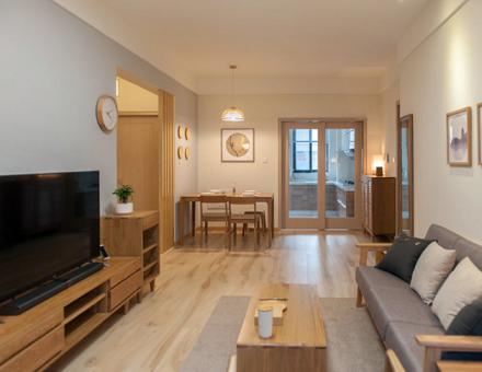 133㎡四居室·原木日系,打破常规客厅