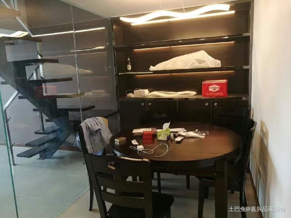 56m²现代简约loft单身公寓厨房现代简约餐厅设计图片赏析