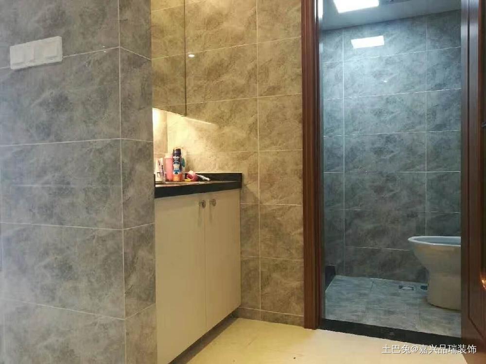 56m²现代简约loft单身公寓卫生间现代简约卫生间设计图片赏析