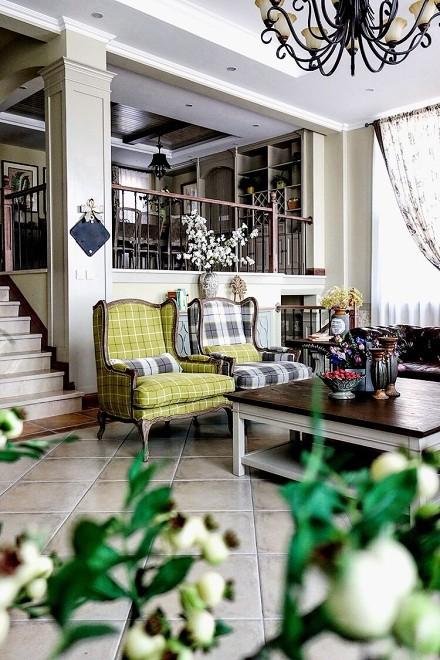 三层别墅营造的美式田园风卧室